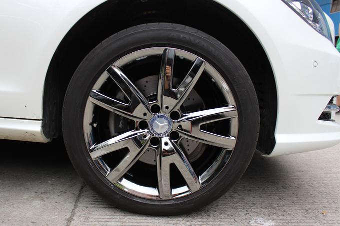 电镀面的效果,那就来志琦吧.   奔驰cls300 18寸烤漆轮毂电高清图片
